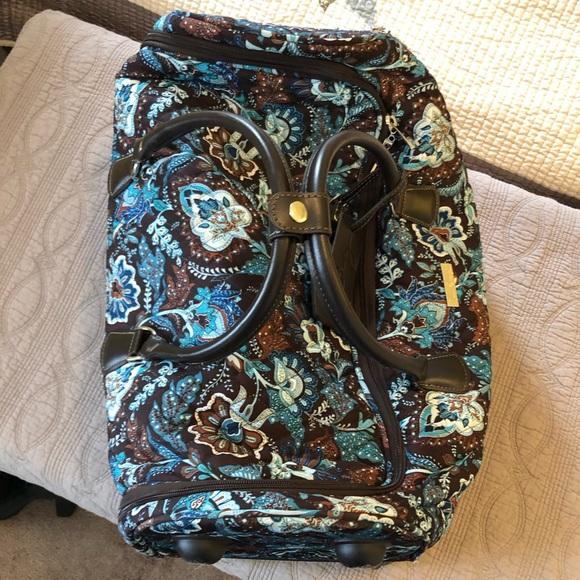 8d0c771755 Vera Bradley Java Blue roller suitcase bag